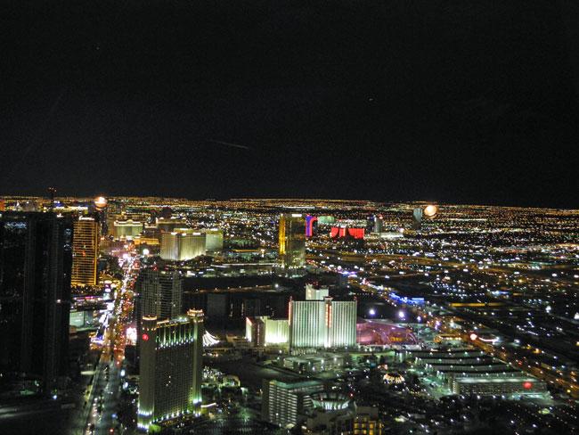 Die Aussicht vom Stratosphere Tower auf den Strip - Las Vegas // © Sarah Geßner